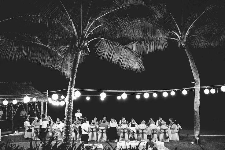 the beachside wedding reception