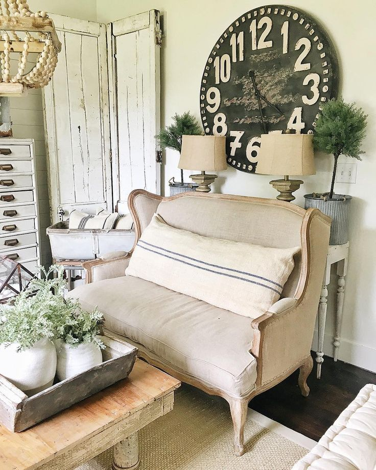 Vintage French Soul ~ Love this french settee!