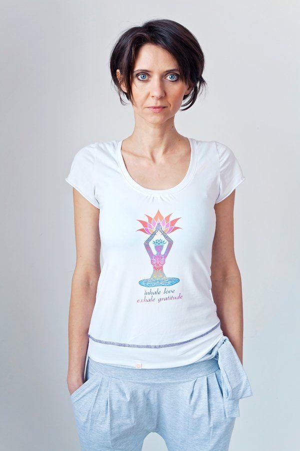 T-Shirt INHALE LOVE EXHALE GRATITUDE MoreLove (proj. MoreLove), do kupienia w DecoBazaar.com