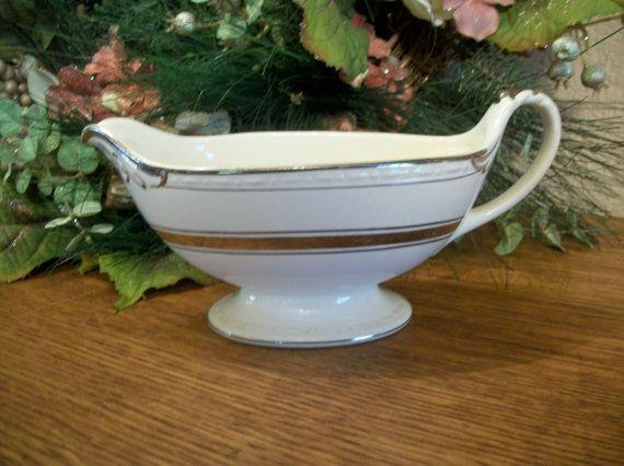 Gravy Boat, Sauce Serving Dish Craftsman Dinnerware  Vintage 1930's tableware…