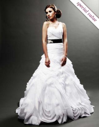 Wedding :: Bridal Collection :: Oleg Cassini :: wedding dress - FWT698 -
