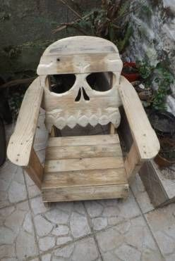 Fauteuil tête de mort / Pallet skull chair