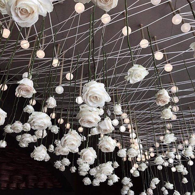 • FLORAL • How incredible is this roof installation by @polina_che • We're in love • RG @hooraymag • #floral #roses #installation #wedding #styling  #Regram via @onedaybridal