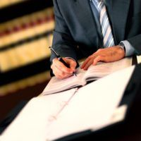 A mandatory arbitration clause prevents a legal conflict from going to a judicial court. This means that the parties involved must resolve the matter through arbitration. In arbitration, neutral arbiters review the evidence, and then decide on the outcome and the amount of money to be paid, if any. Any payout in arbitration is known as an arbitration award. Businesses usually have the option of taking legal action together as a unified force, whe