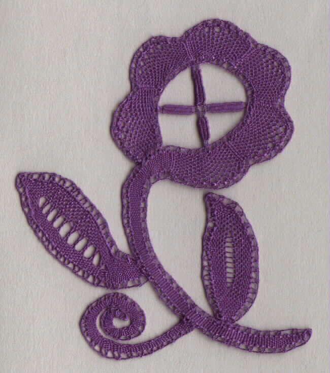 design by Elsie Luxton, made by Lorelei Halley = lynxlacelady
