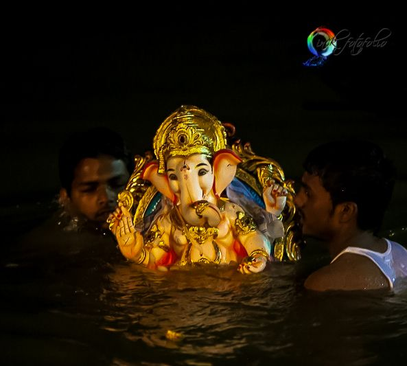 Cries of 'Ganpati Bappa Morya' have every head bent in prayer!! He is now on His way back home, only to return the coming year!!