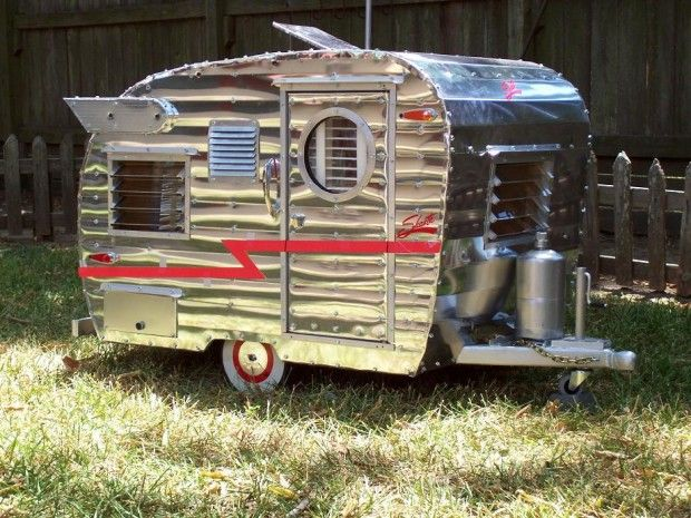 Brilliant Adorable QuotPet Camperquot Is A Miniaturized Trailer For A Small Dog  M