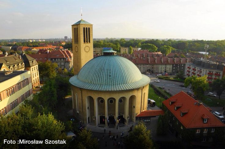 Kościół pw Podwyższenia Krzyża Świętego  OFM Cap ul.Ligonia 2 │Bytom │fot. Mirosław Szostak