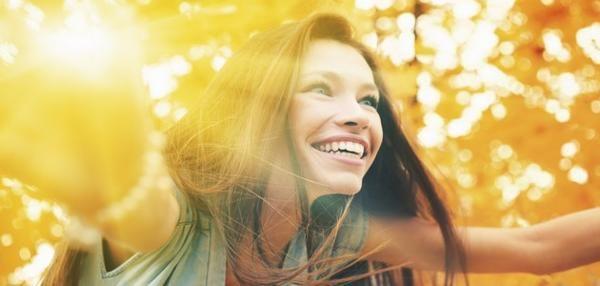 Gens heureux : Si certaines personnes sont plus heureuses que d'autres, il existe une raison à cela. Les gens heureux ne sont par forcément plus riches
