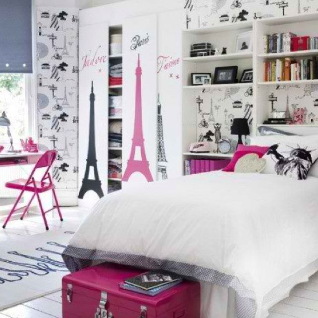 Paris theme bedroom <3 love it this is what my bedroom will be like hopefully!