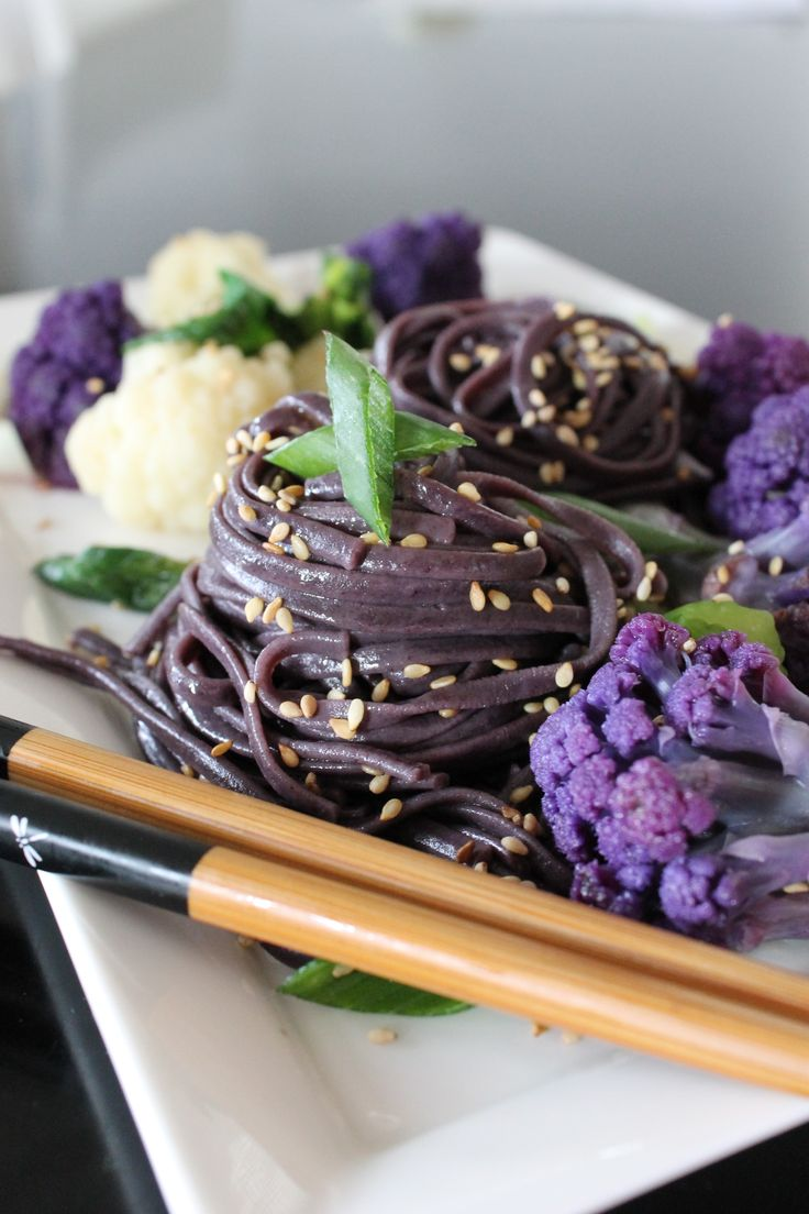 Black rice noodle and purple/white cauliflower