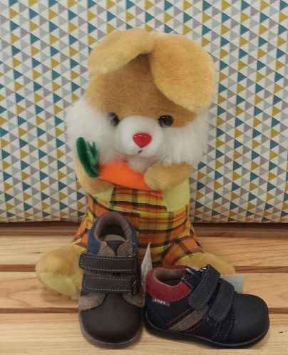 Un..dos. .tres. .cuatro! ! Pasito a pasito!  Aprendiendo a caminar con botitas de piel de Zapy  Desde 18 hasta 24 www.shoesland.es  Envíos gratuitos  #Shoesland #madeinspain #zapyonline #zapateria #ourense #galicia #shoponline #primerospasos #babyshoes #botaspielniño #botasprimerospasos #calzadoinfantilourense