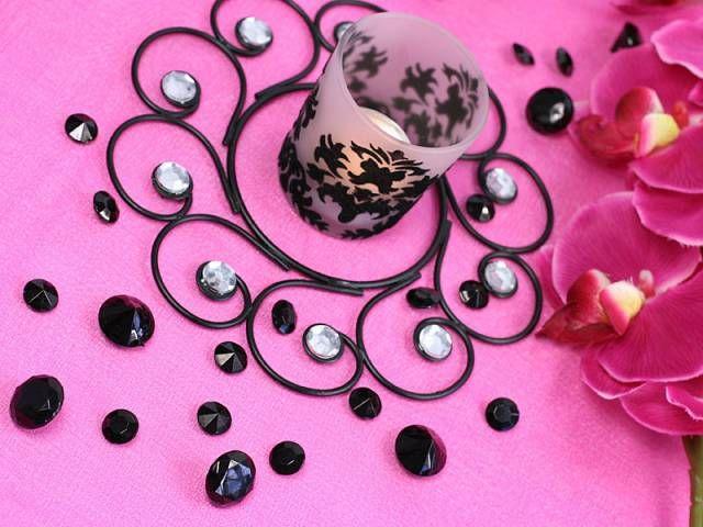 #KristallKonfetti - eine gute #Dekoidee :) Konfetti ist in fast allen #Farben und #Größen erhältlich.   http://dekoartikel.pressiode.de/de/1115-kristall-diamanten http://dekoartikel.pressiode.de/ http://www.ebay.de/usr/pressio-dekoration