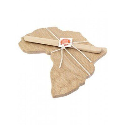 A beautiful handmade bread and cheese board in the shape of the African continent. Made from sustainably sourced oak. A great gift idea for an eco entertaining friend. Sophisticated and practical. Moko Africa Bread & Cheese Board from Faithful to Nature. Eco-friendly product from South Africa. Affiliate link.