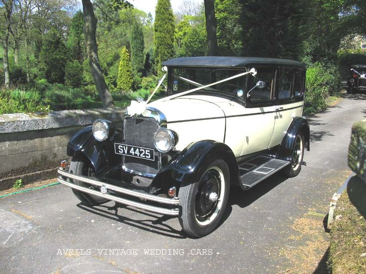 American Wedding Cars ..an american theme for the wedding cars ..all the guests arrive – by car ..the modern invention..