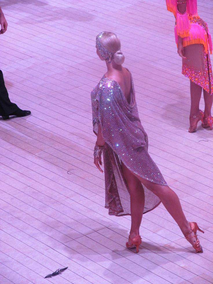 1060 best Vestidos de baile images on Pinterest | Dance costumes ...