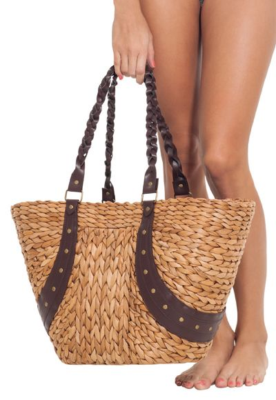 Woven #bag in natural fiber.  #beyondBodies #estivo