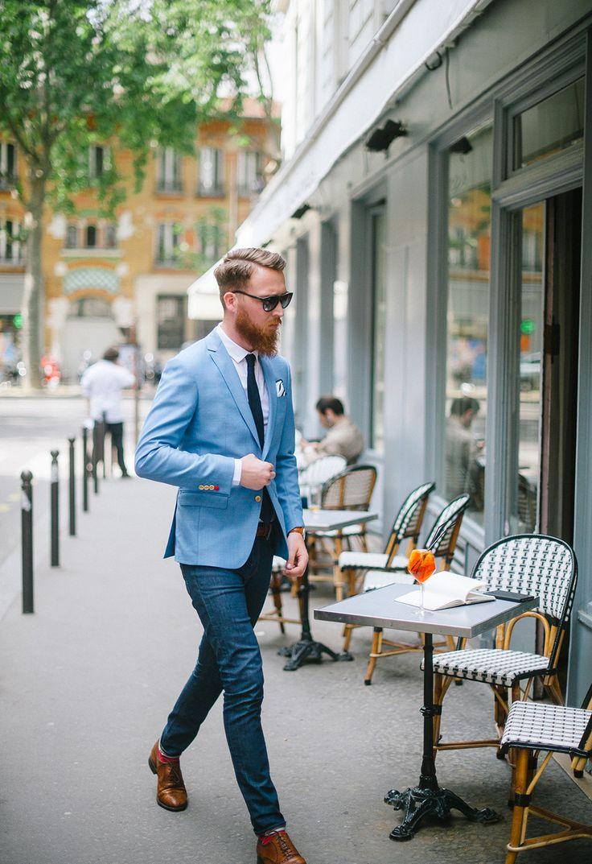 Look homme très chic avec une veste dans les tons clairs #look #tenue #faubourgSaintSulpice #mode #men #fashion #fashionformens