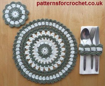 Free crochet pattern, round placemat, coaster & napkin ring usa
