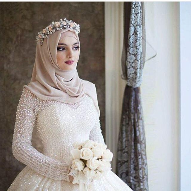 #weddingdress #wedding #weddinghijab #hijab #engagement #prewed #hijabwedding #hijabweddingdress #weddinggown #groom #bride #moslemwedding #weddingprep #like4like #gown #bridesmaids #partydress #partygown #prewedding #muslimwedding #follow4follow
