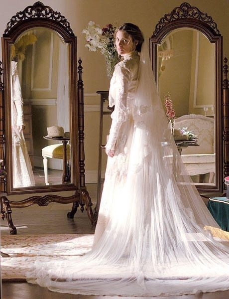 Grand Hotel tv series 2011-2013, Season 1 episode 14.   Alicia marries Diego.