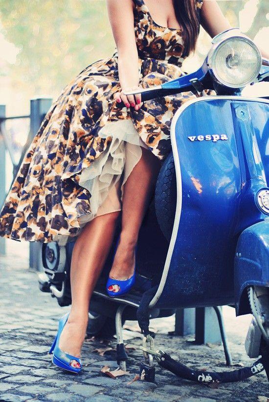 I want a vespa: Fashion, Style, Vintage, Dresses, Photography, Blue Vespa, Wasps