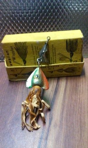 17 best images about old fishing lures on pinterest for Hawaii fishing lures