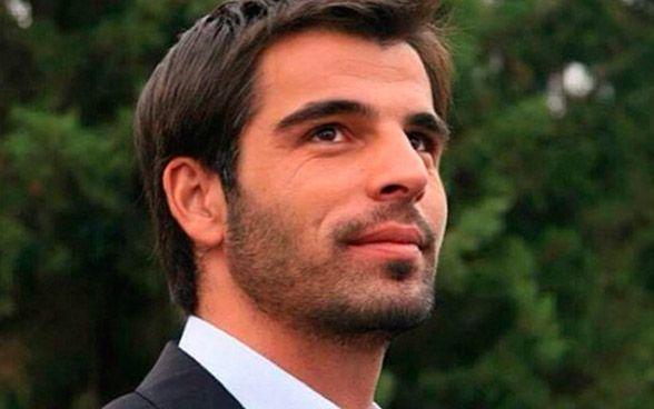 """Em 2004, participou da série """"Metro palas"""". Em 2005, integrou o elenco de """"Zeytin dali"""" com Bergüzar Korel, em 2006 participou de """"Haci"""" e no mesmo ano participou do seu maior sucesso, a série Sila, que deixou ele mundialmente conhecido. Depois de Sila, ele participou de """"Adanali"""" (2008-2010). Em 2011, Reis. Em 2013, Mehmet volta a TV como protagonista na série, """"Fatih"""". E em 2014, ganha mais uma vez, outro protagonista, desta vez, na série turca,  """"Emanet""""."""
