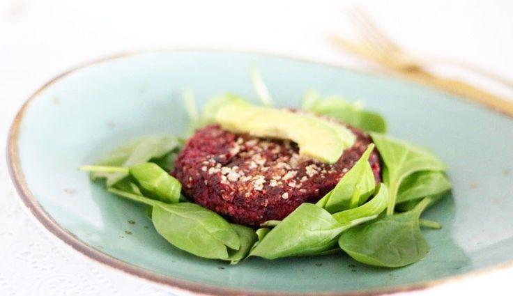 Bietenburger met spinazie