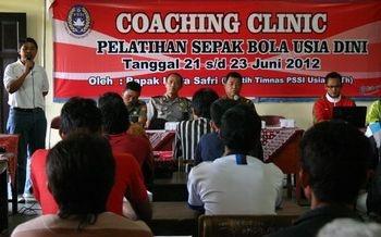 Purworejo Gelar Coaching Clinic Bersama Pelatih Timnas PSSI - Kedaulatan Rakyat Online