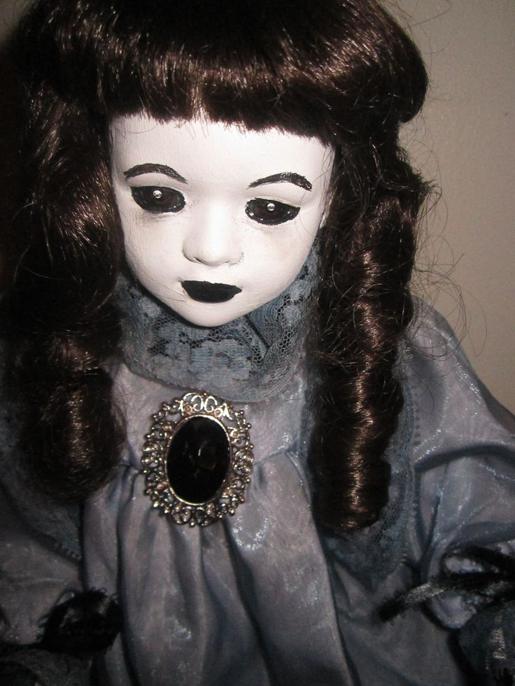 52 Best Creepy Scary Dolls Images On Pinterest Scary