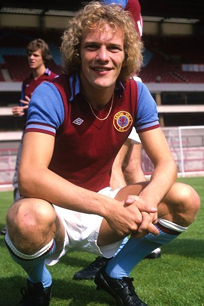 Andy Gray, Aston Villa