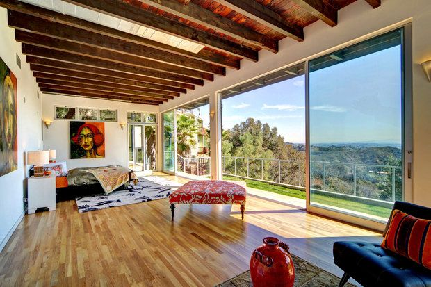 Kevin McHale, who plays paraplegic Artie Abrams on Glee, is also a former boy-band member and accomplished dancer. Last April, he was tapping over the wood floors of his $1.025-million home, which includes extensive windows to take in the Hollywood Hills view. Not far away, costar Lea Michele -- Rachel Berry on Glee -- bought a 1920 Hollywood bungalow.