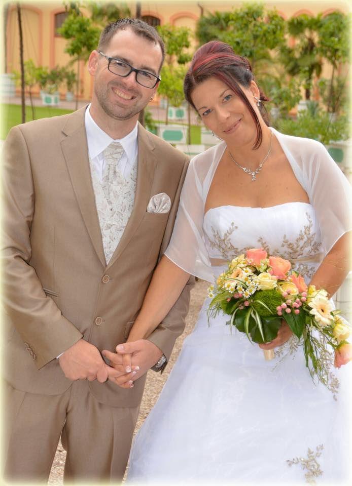 Bräute- und Ehefrauen-Treffen am 8808 in DD -