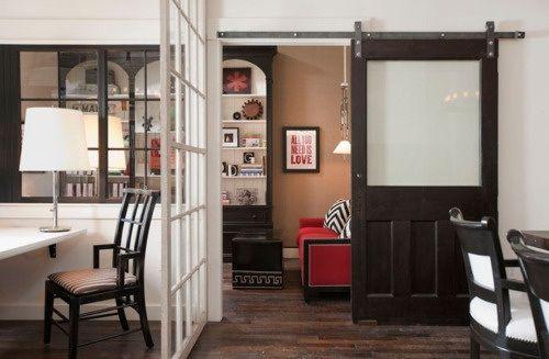 Een schuifdeur, voor rustieke charme in het interieur