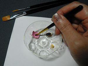 Use the bottom of a soda bottle as a mini paint palette #art #journal