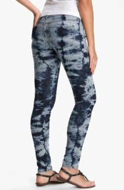 tie dye jeans with bleach and tie-dye green!