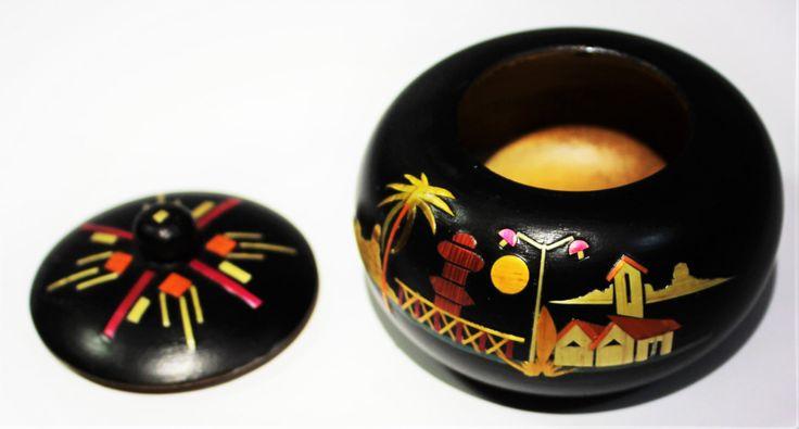 New Black,round,Wooden Trinket box,hand painted,Ecuador,scenery painted,Keepsake box,caja de baratijas,Boite à objet,Trinketkasten by ColourNThread on Etsy