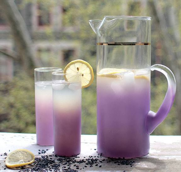 Check out the awesome recipe for delicious, refreshing lavender lemonade. Also featured are some tips and resources for growing and using lavender and lemons!