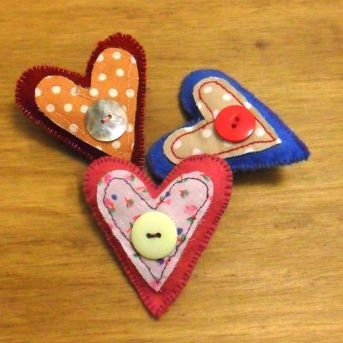 fabric heart brooch by craftea makes. Available on Folksy