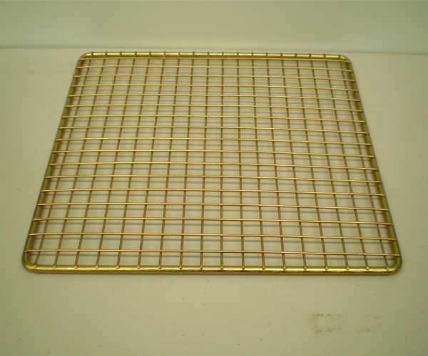 Half size grid for super deluxe 1200  The ½ Grid allow the flexibility of having a grid on one side, and a plate next to it or on the other side of your ember maker.  $30.00