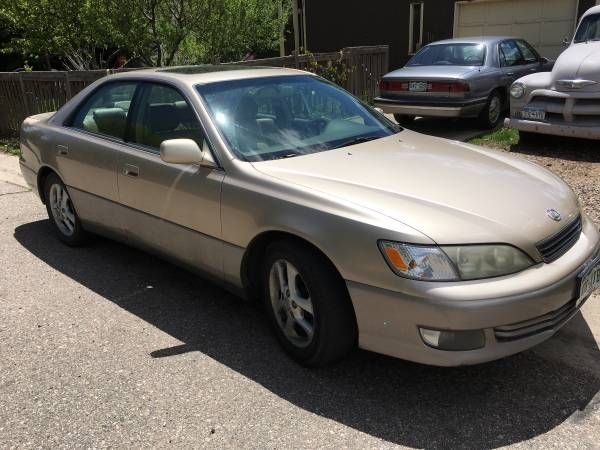 2001 Lexus ES 300 $4500: 2001 Lexus ES 300 183k New timing belt and water pump and pulleys. Runs great. Text or call show contact info 2001…