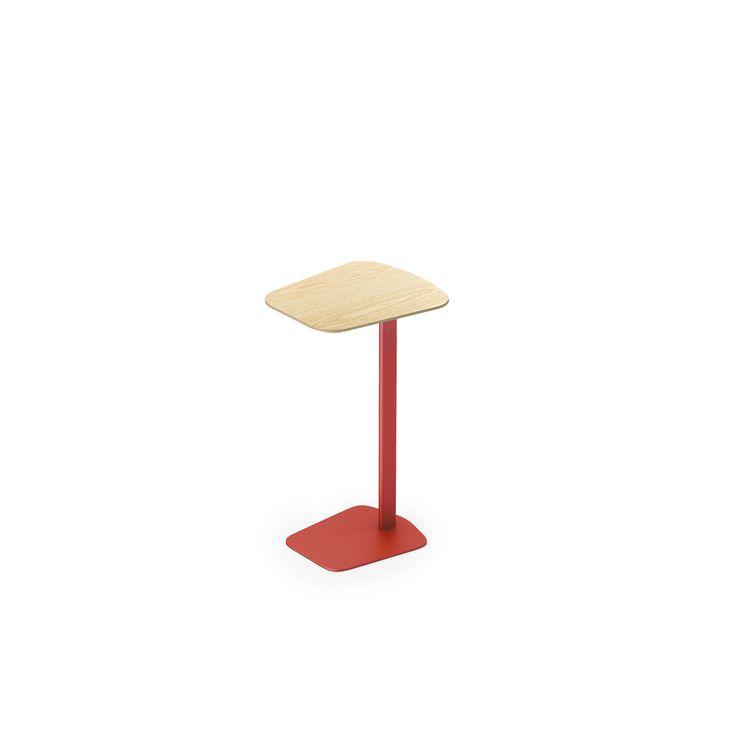 EFG Navi on pieni, helposti siirrettävät pöytä kannettavalle. Sopii hyvin joustavan modernin toimiston vastaanotto- ja loungetiloihin.