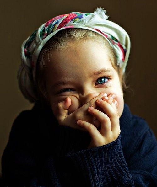 : )Little Children, Little Girls, Funny Face, Beautiful, Kids Poses, Blue Eye, Portraits, Kids Clothing, Head Scarf