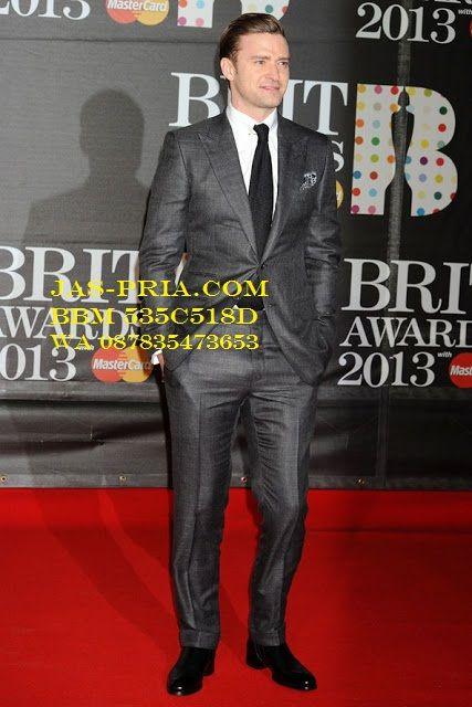 desain jas pria warna abu gelap cocok dipakai untuk berbagai acara resmi modelnya sederhana tapi tetep trendi dimasa kini dijual murah secara online di Solo
