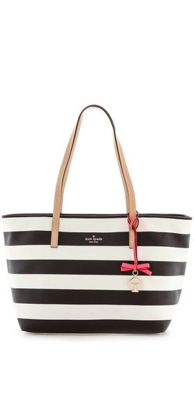 In love with this tote