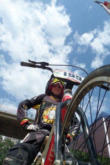Seguridad de Campeona Ya huele a oro #Colombia #LaMaka #TeamVarela #Bmx #bmx4life #Ciclismo #shimano #GWbike #supercrosslive #scottbikes #specializedbikes #Bike #raleighbikes #Bucaramanga #CiudadBonita