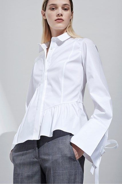 Catwalk photos and all the looks from Aquilano.Rimondi - Pre Spring/Summer  2017 · Model PhotosWhite BlousesWhite ...