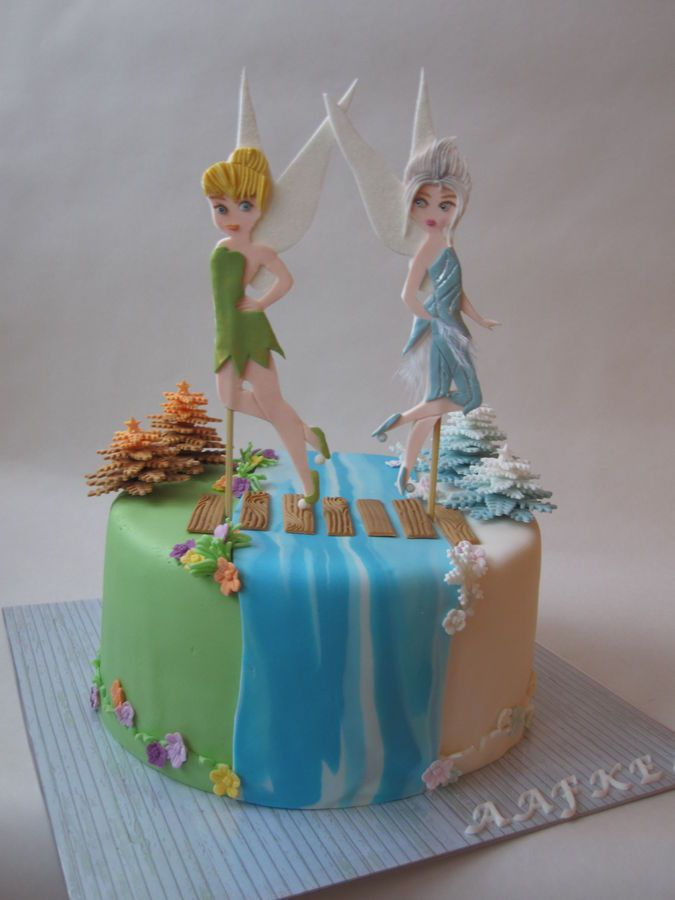 I really love this! Tinkerbell and Periwinkle again ...