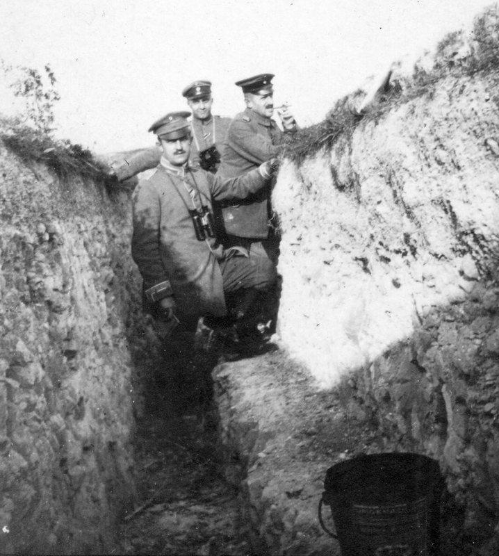 Von Lüttichau im Schützengraben, erster Weltkrieg.